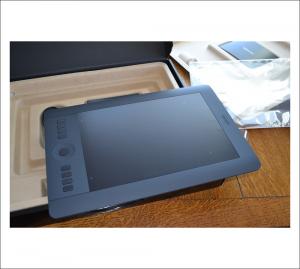 Photo of Wacom Intuos Pro Medium out of box